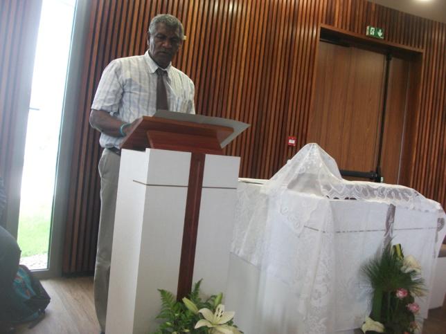 Pasteur WAKAINE Wakira, Président de l'EPKNC, anime le premier culte au médipole