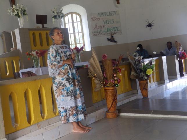 Pasteur Marie-Claire KAEMO confie les étudiants au Conseil Exécutif de l'EPKNC