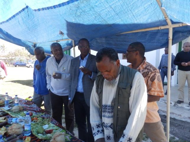 Pasteur KIKI Célestin Secrétaire Général de la Cevaa, Pasteur WAKAINE Wakira, Président de l'EPKNC, avec le Vice-Président (Célestin KAKUE)