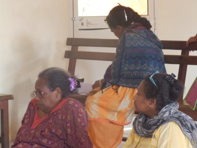 Mme WADRAWANE Tuman (Présidente de Nengone) et Mme WANAKHAENE Bikawa (Présidente de Drehu).