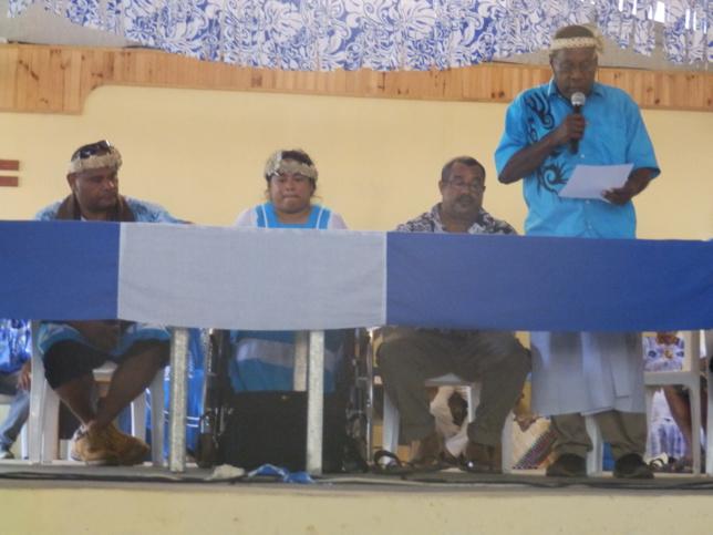 Le bureau de la Croix Bleue, avec la présidente Drikona FRAIT Thérèse, NIRIKANI Noël, Vice-Président, et Pasteur KALOIE Edouard l'animateur.
