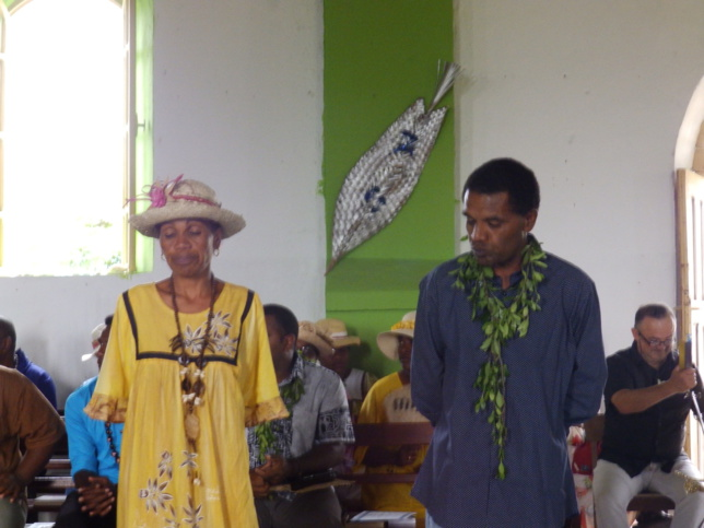 PAWAWI Atrë avec son épouse affectés dans la région de Drehu