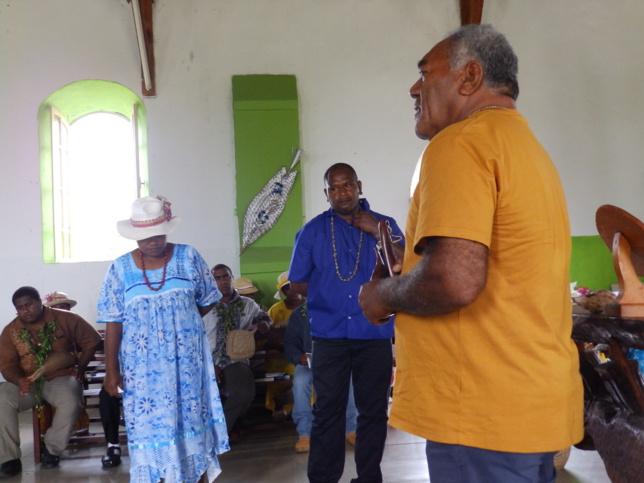 UEDRE Kengen avec son épouse exerceront dans la région de Nengone