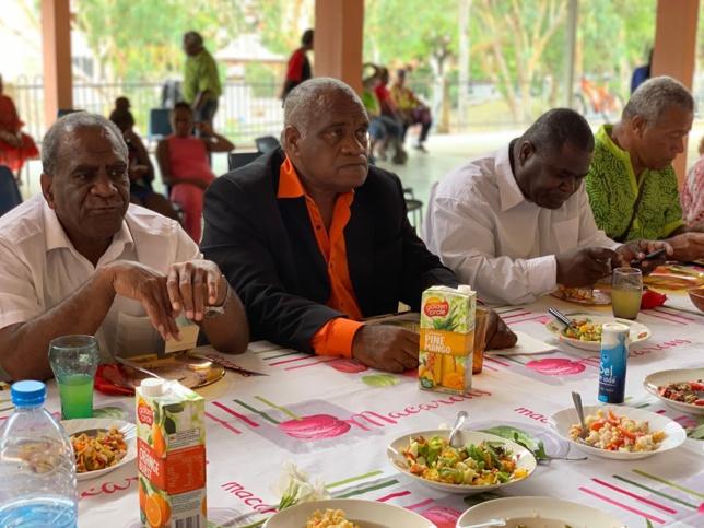 Pasteur HNASSON Öhnyingazo, président de Drehu, pasteur EURIMINDIA Calvin, président de la région de Momawe, Pasteur ROINE Guillaume, président du DEMI Général de l'EPKNC, et THIJIN Michel, secrétaire du Conseil Régional de Momawe.