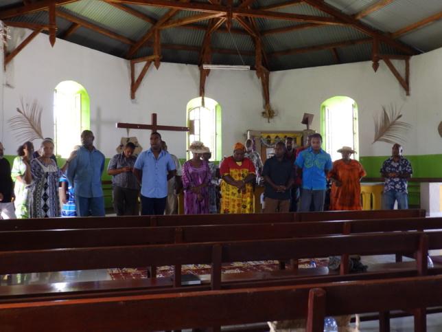 Présentation des étudiants et des professeurs lors du culte de rentrée au temple de Xépénéhé