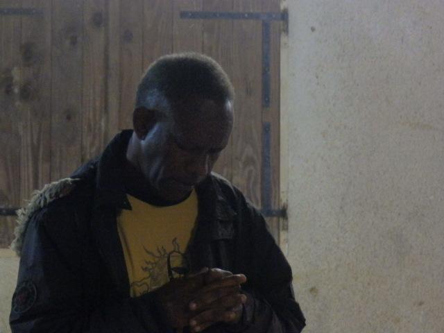Pasteur SIAPO Cope de Wanap clôture la journée par la prière.