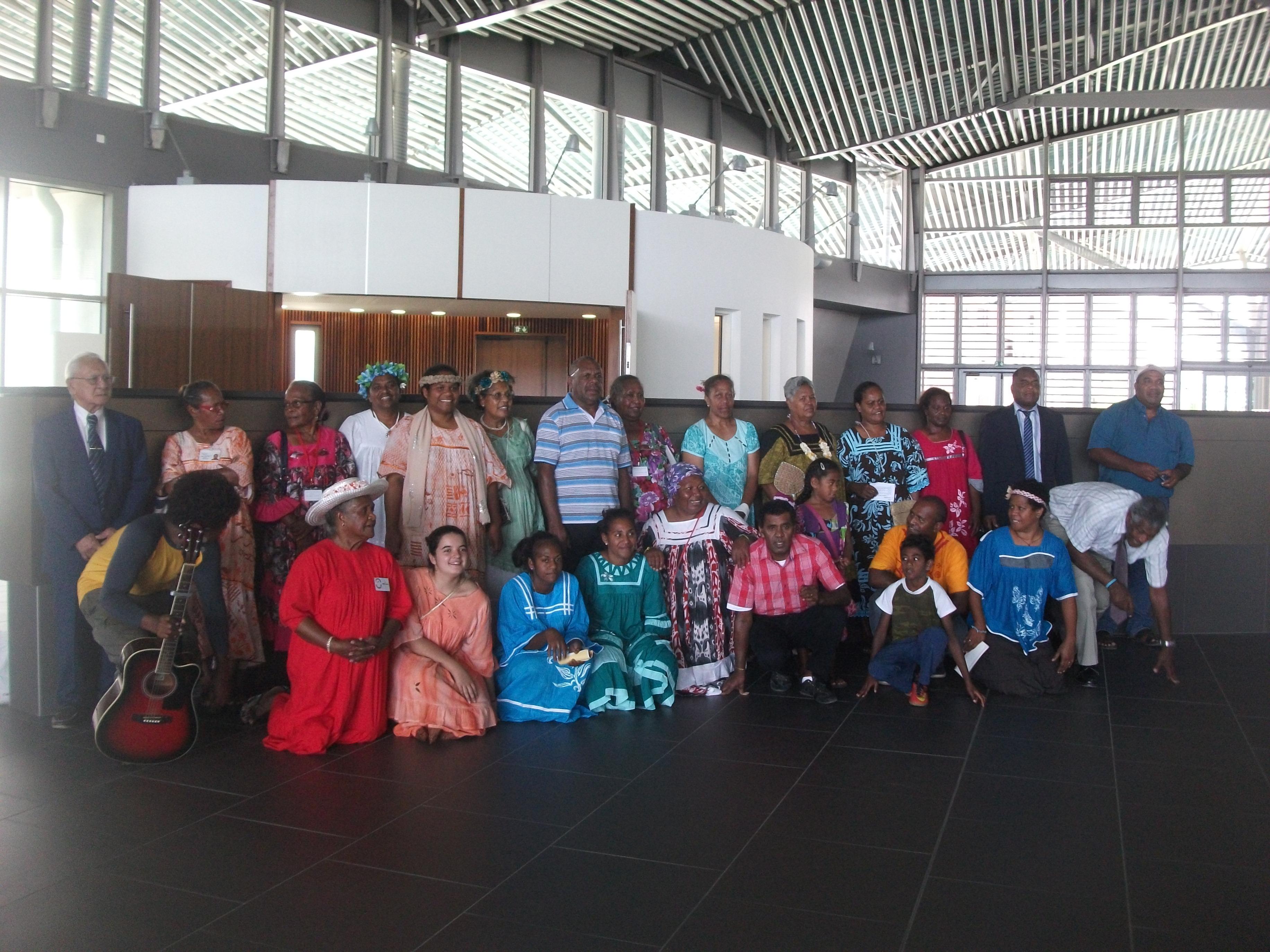 Le groupe de l'aumônerie des hôpitaux avec le pasteur aumônier HAMU Belë