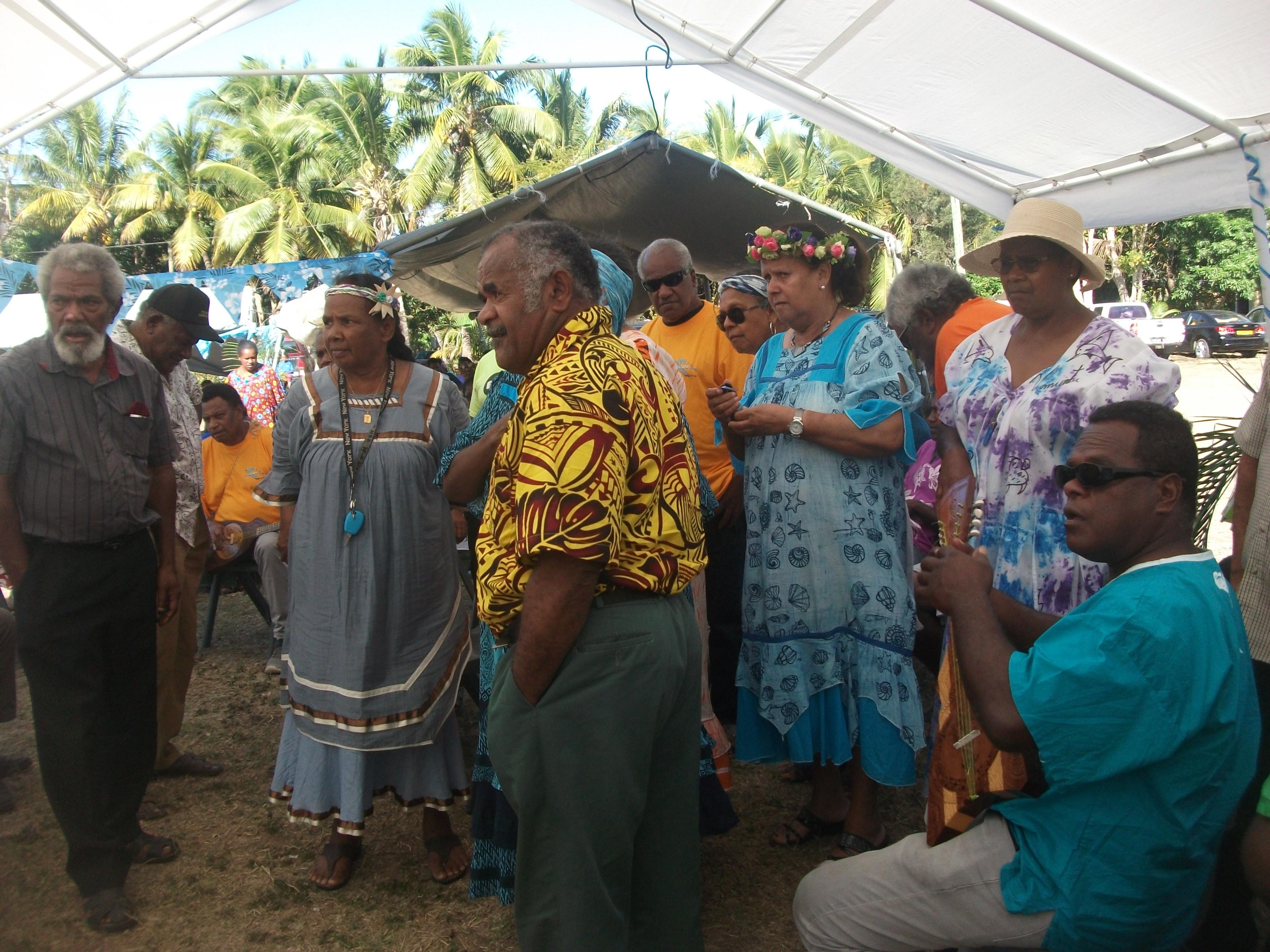 Pasteur POAPIDAWA Micka avec les anciens de Doneva