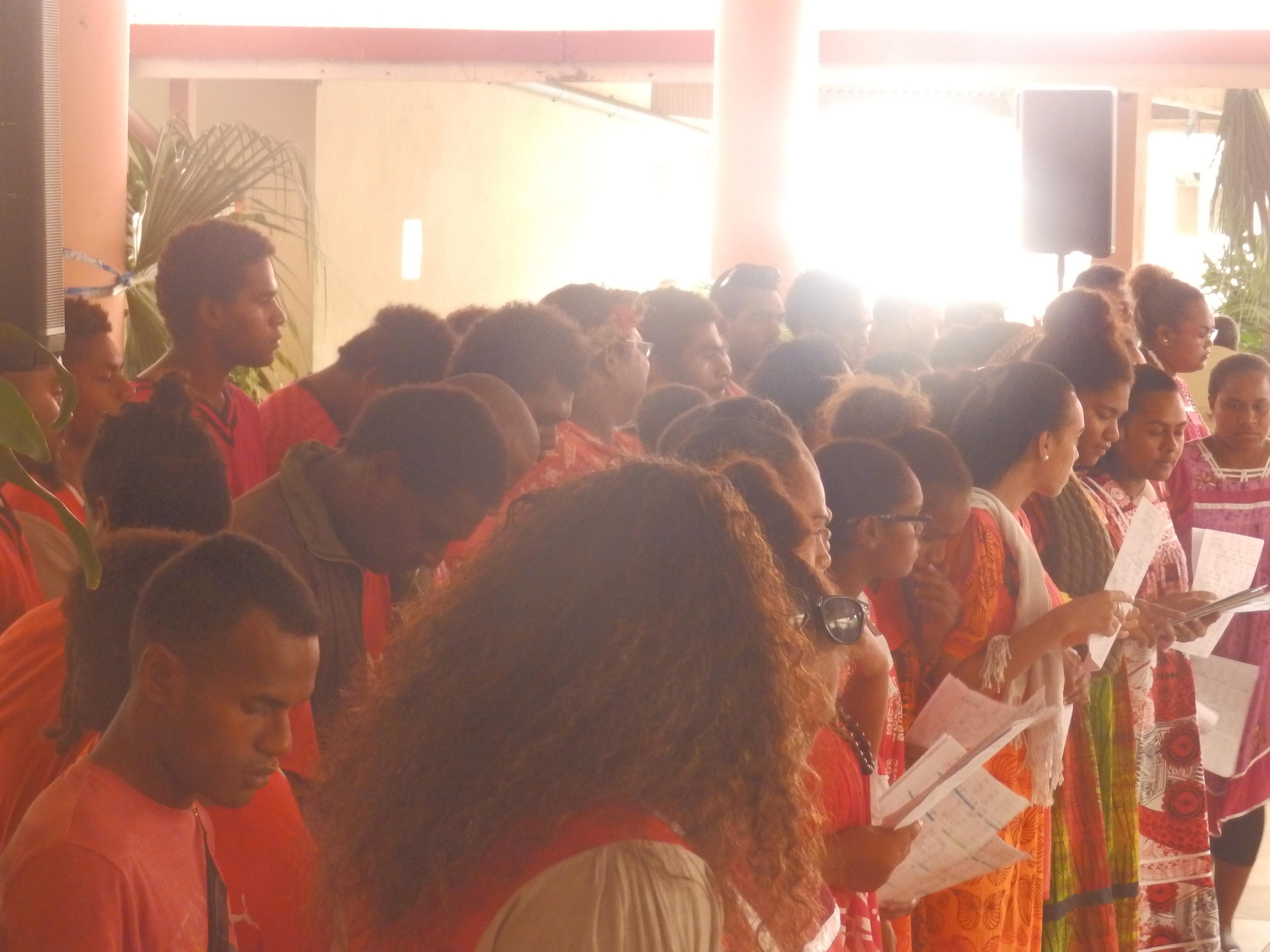 Les jeunes du consistoire ont participé à l'animation par un chant