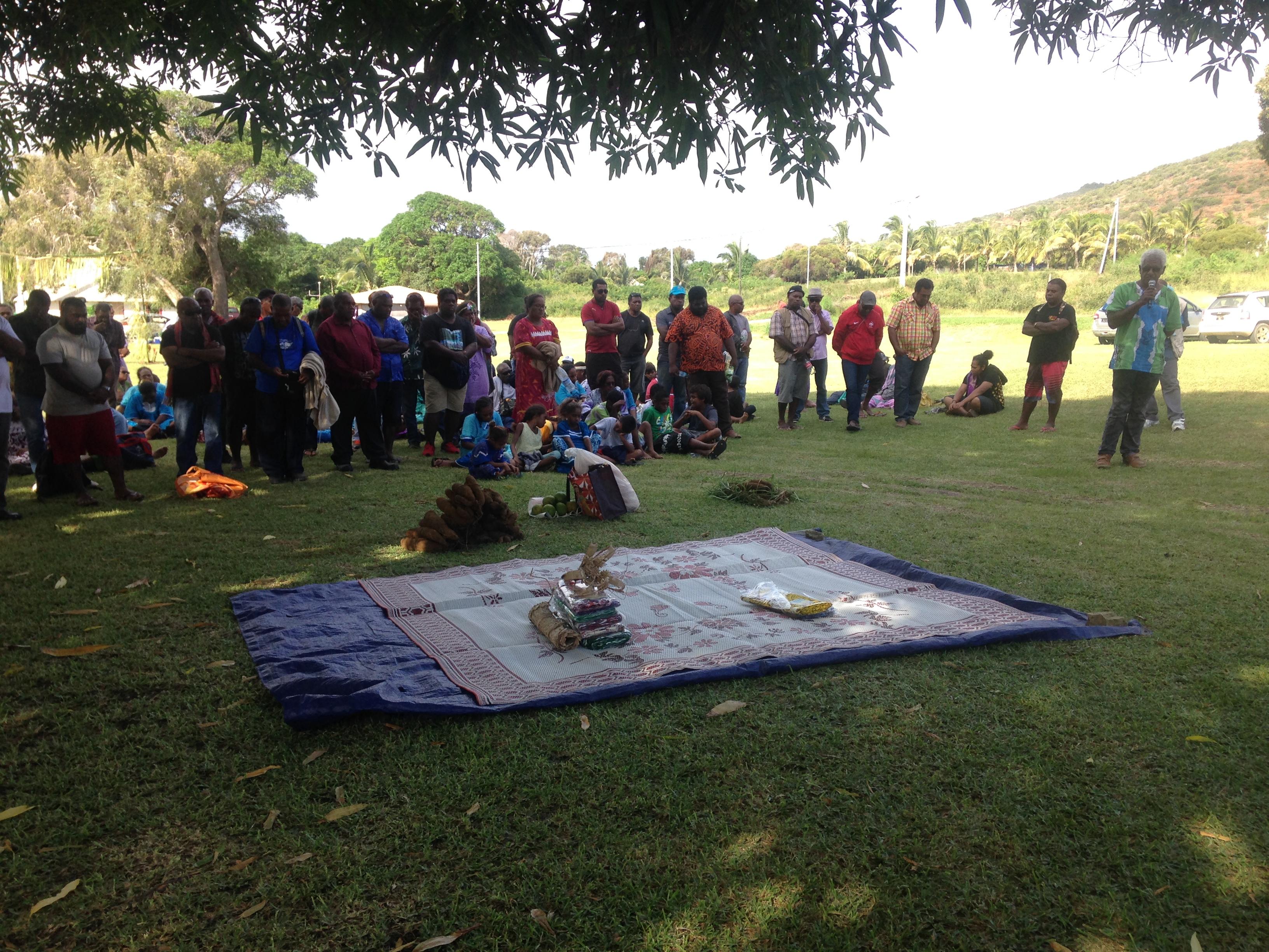 Geste coutumier de la délégation des diacres de Nengone, Drehu et Iaai