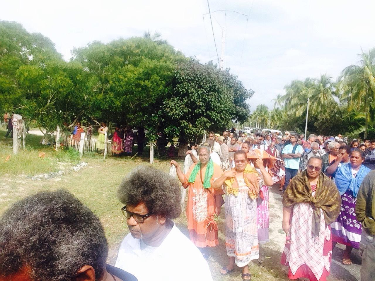 La famille, les amis venus de tout le pays pour les obsèques.