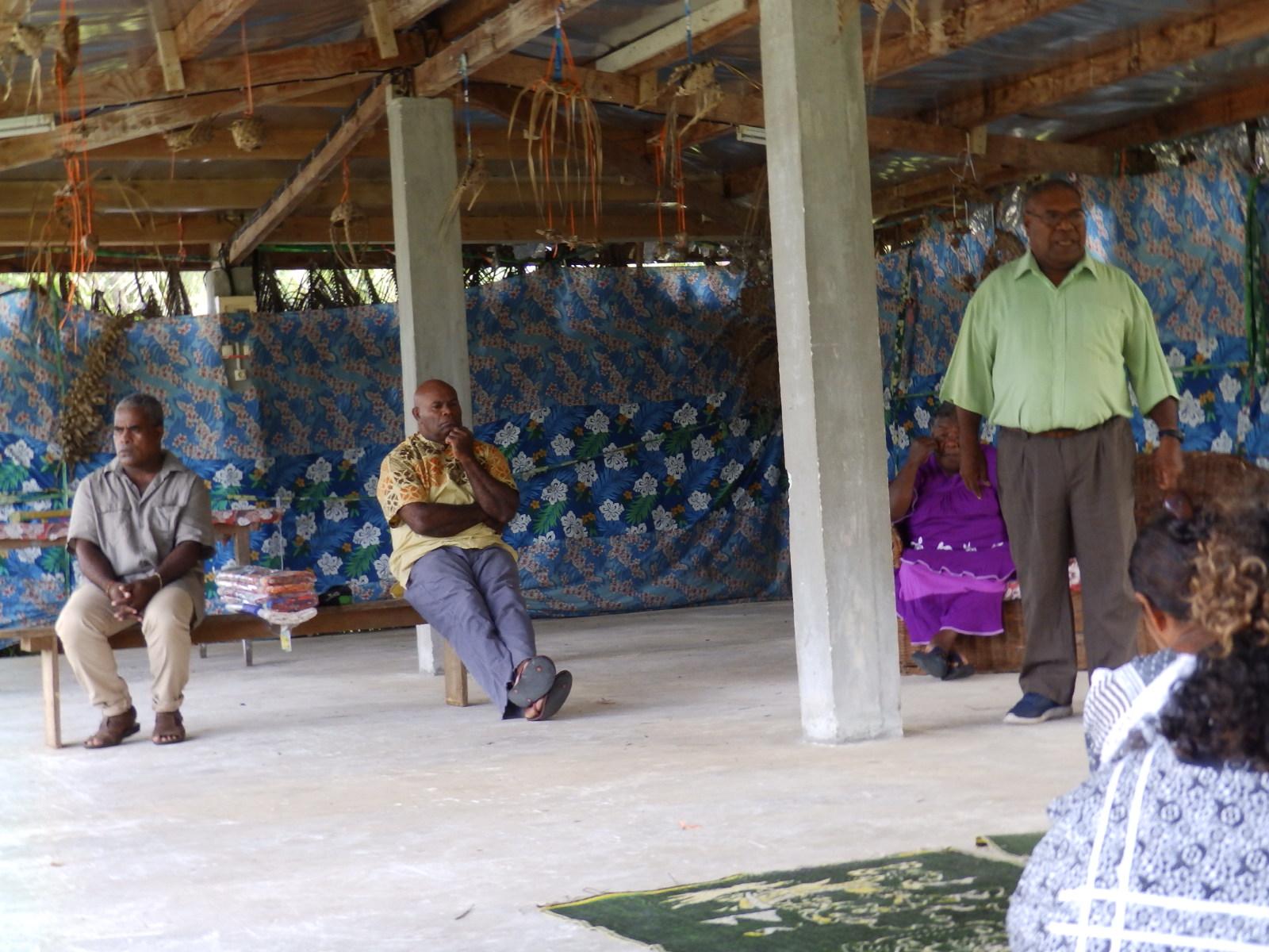 Pasteur SEIKO Wamejo et les diacres de la paroisse de Xépénéhé