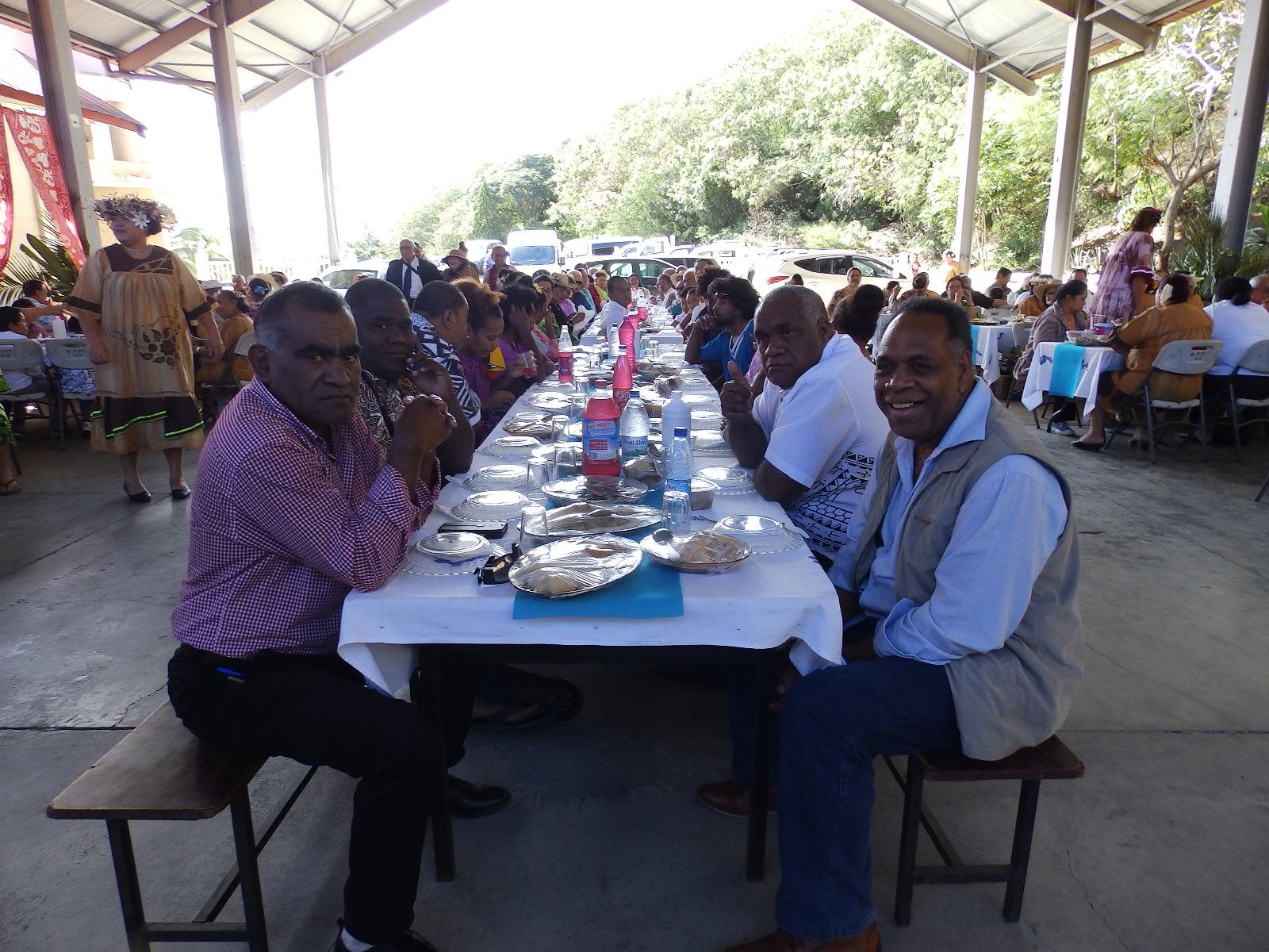 Repas fraternel : avec les membres du Conseil Exécutif de l'EPKNC