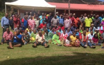 Photo de la grande famille des diacres de l'EPKNC en formation dans la paroisse de Thiic, Consistoire de PUM Extrême Nord de la région Momawe.